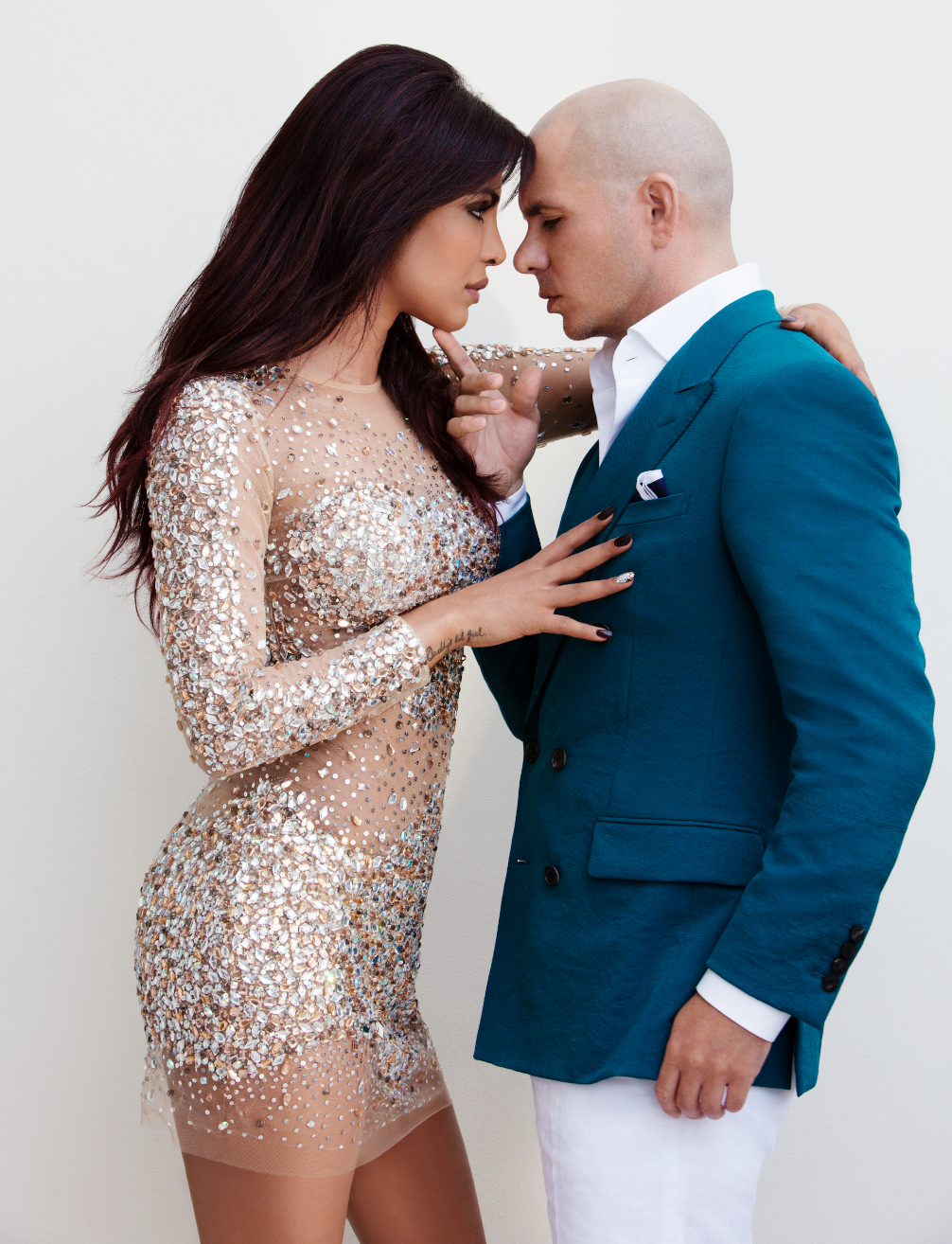 Priyanka-Chopra-and-Pitbull---Tashify